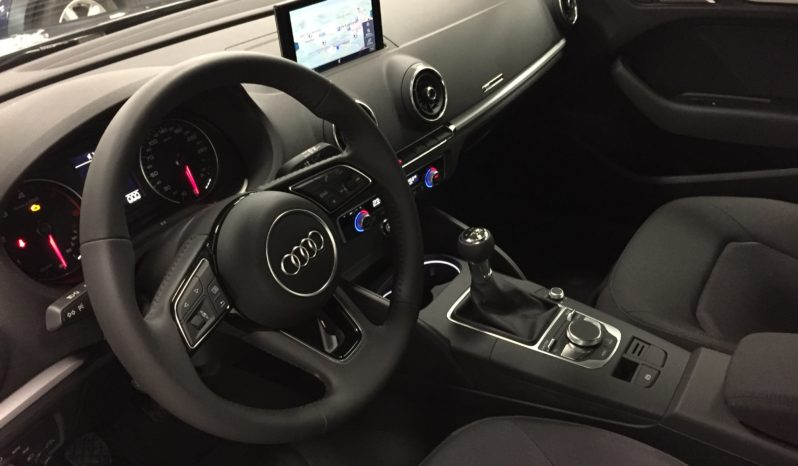 Audi A3 30 TDI Business full